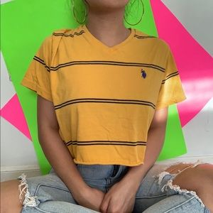 cropped yellow stripes tee ✧